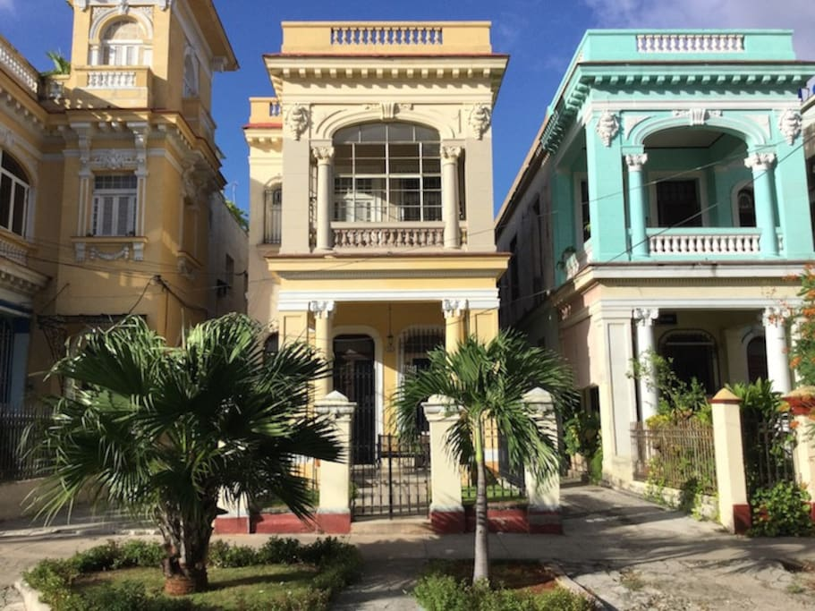Hostal casa de luca bed breakfast 1 bed breakfasts for rent in la habana la habana cuba - La casa de luca ...