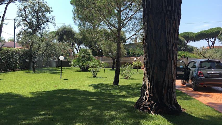 Anzio-  VILLINO IN PICCOLA PINETA VICINO AL MARE