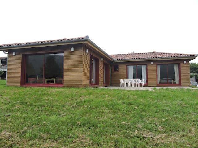 Maison bois au cœur du piémont pyrénéen - Bize - Dům