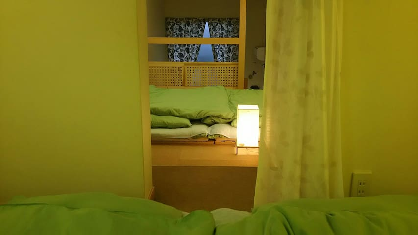 Bed room for 4 person (Separate by curtain)