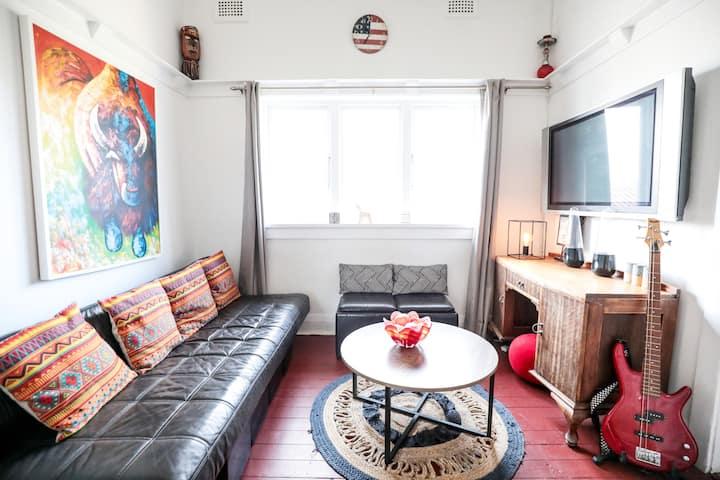 Bondi Beach Stylish apartment in perfect location.