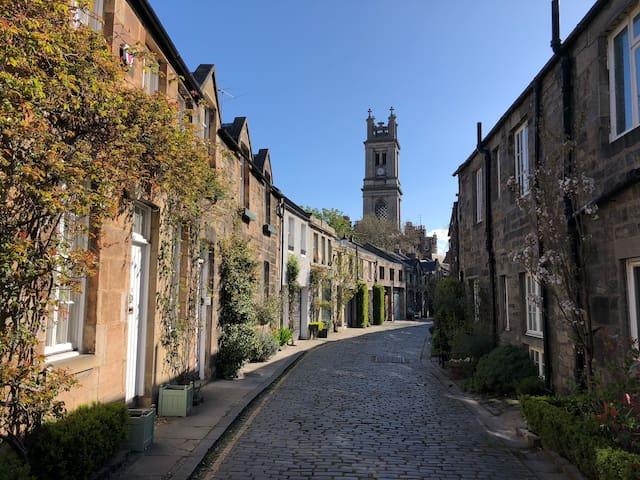 Luxury King Room in Edinburgh's prettiest street