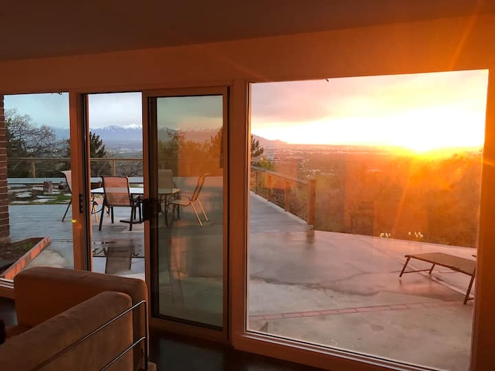 Panoramic SLC valley view mid-century apartment