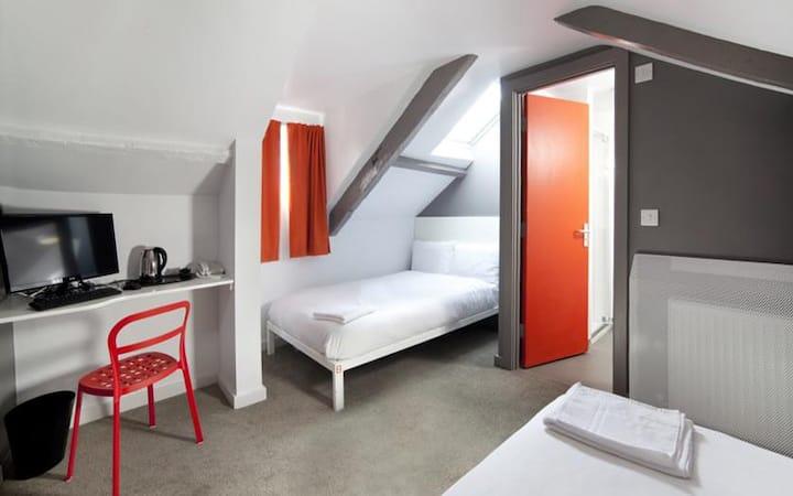 En-Suite Quadruple Room