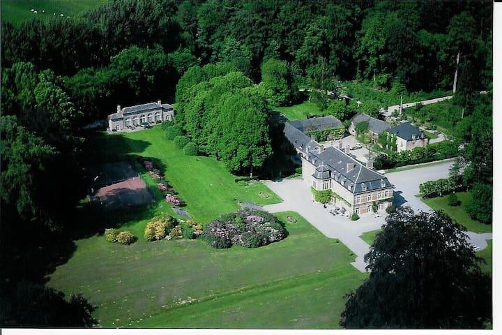 Château de Pallandt - Chambre de l'Ambassadeur - Genappe - Castle