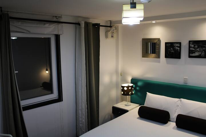 "Hotel ""El Viajero"" Hab. Matrimonial c/baño"