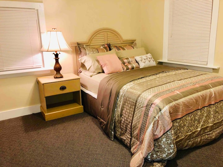 Private cozy room 2