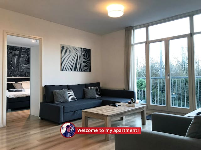 ☯️ 4 Person Apartment @ THE CENTRE With 4 Bikes ☯️