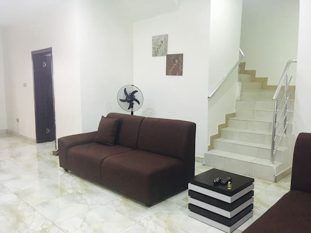 MidBamzSuites  close to Lekki Conservation Area