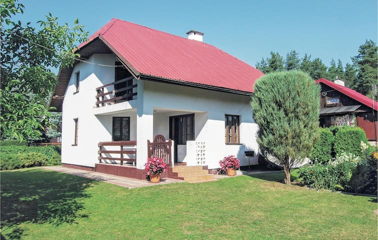 Holiday cottage with 3 bedrooms on 86 m² in Gietrzwald