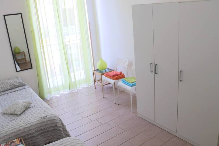 Twin room near Central Station