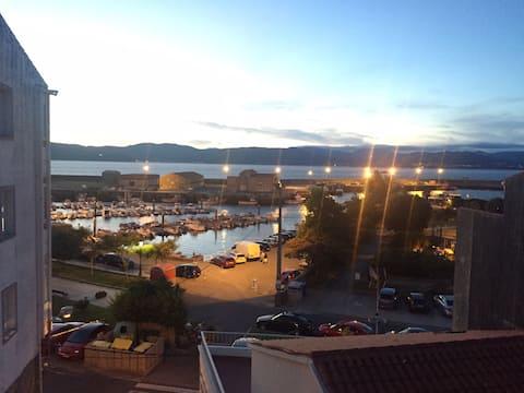 Apto pueblo marinero, centro Porto do Son, wifi.