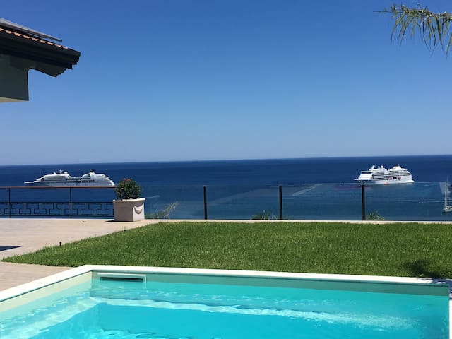 *VILLA VITTORIO* Taormina, ETNA & SEA VIEWS LUX Ap