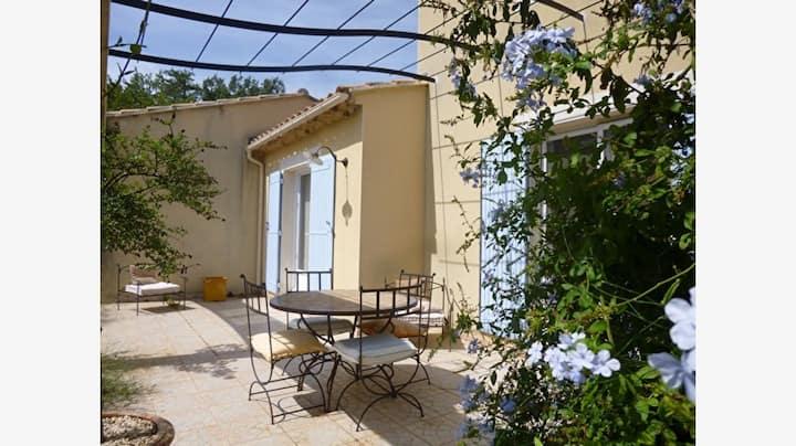 Ecrin de verdure en Provence