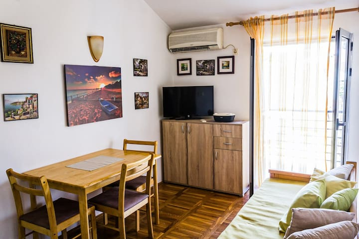 One bedroom apartment in City Center