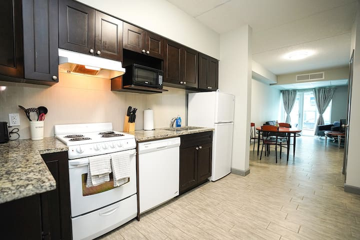 *Sunview Suites* 2 bdrm with private patio