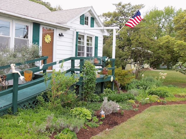 Hard Head Cottage,Charming and Cozy - Tilghman Island - Hus