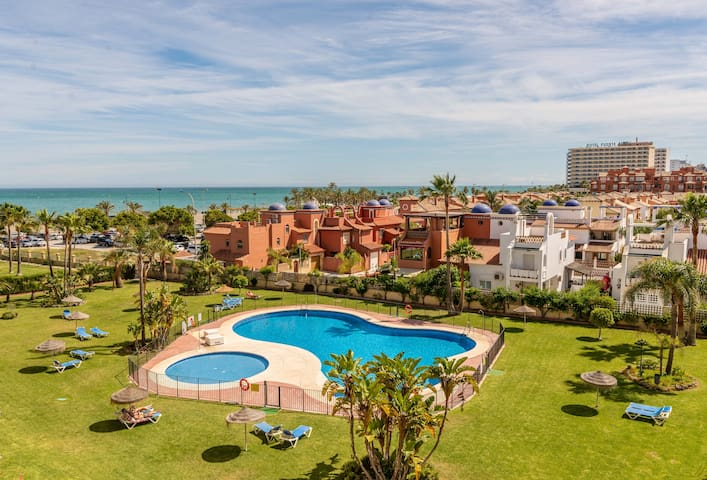 Well-located & Nice Views 2BDR Apt in Los Álamos