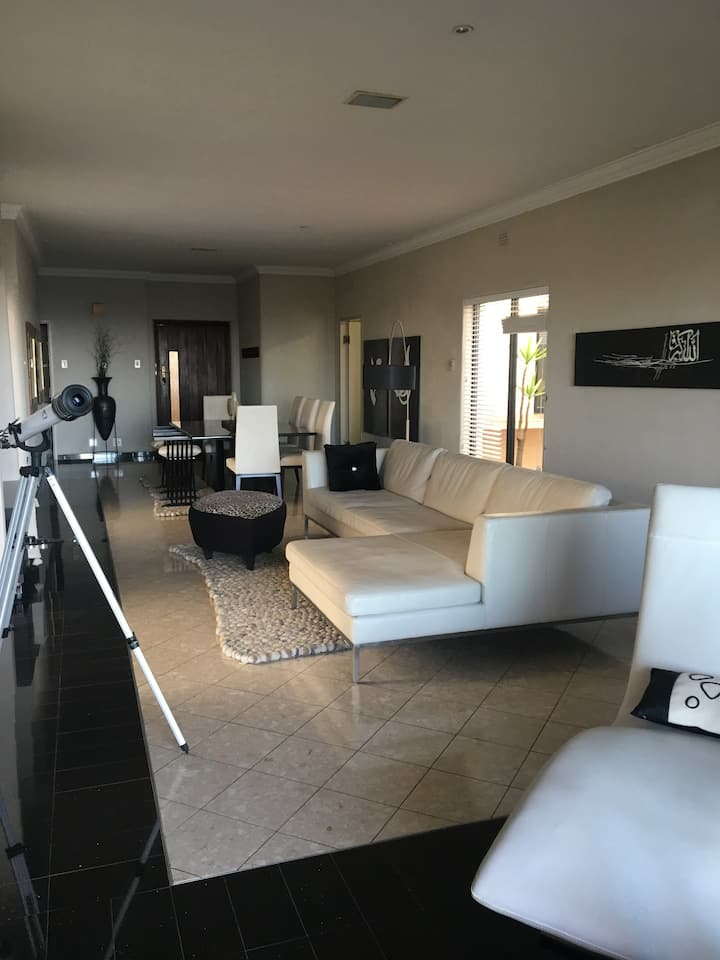 Apartment with spectacular views of northern Jhb