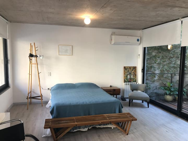 Studio en NuñeZ / Vicente Lopez moderno y cálido
