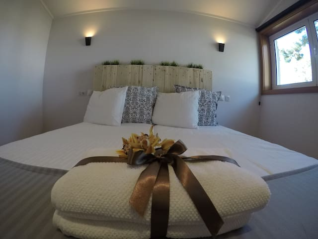 Double Room Deluxe at Golden Waves Surf Lodge - Ovar