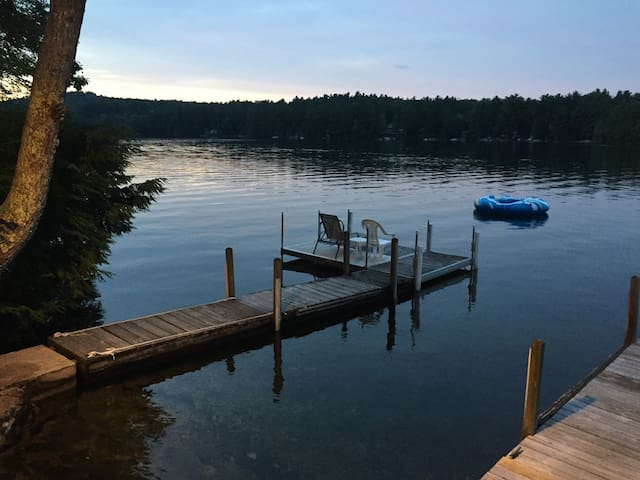 Charming House Right On Water of Great East Lake!