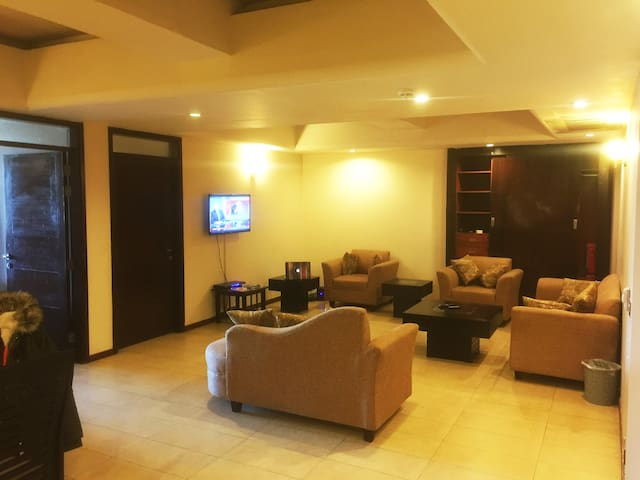 Islamabad 24hr AC/Heat/Security 3 Bed Spacious