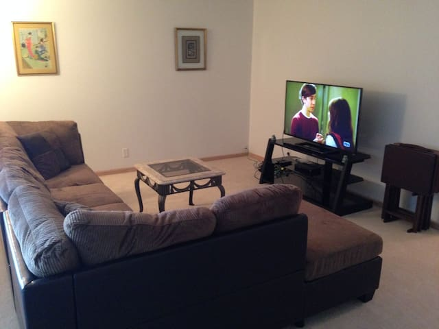 Cosy 1 Bedroom Home, Great Area - Cleveland - Apartment