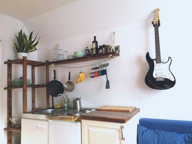 Cosy rumpelstudio flat in the heart of the city