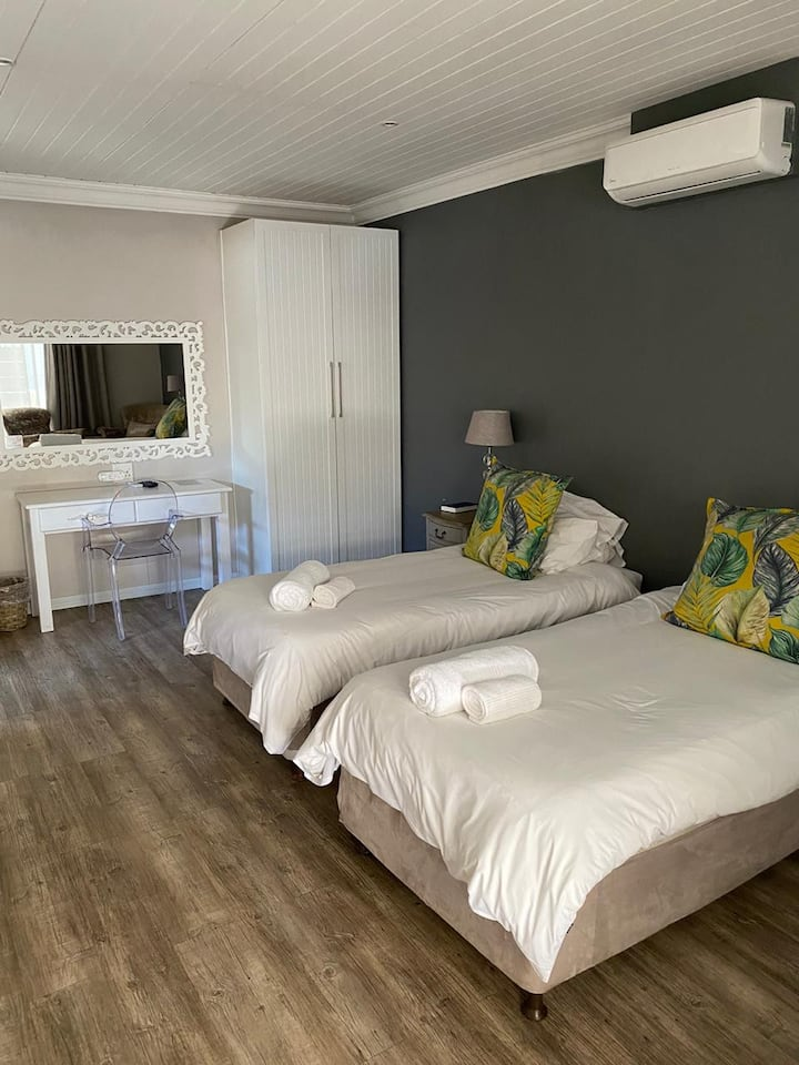 Solo Gracia - Room 17 MONTHLY ACCOMMODATION