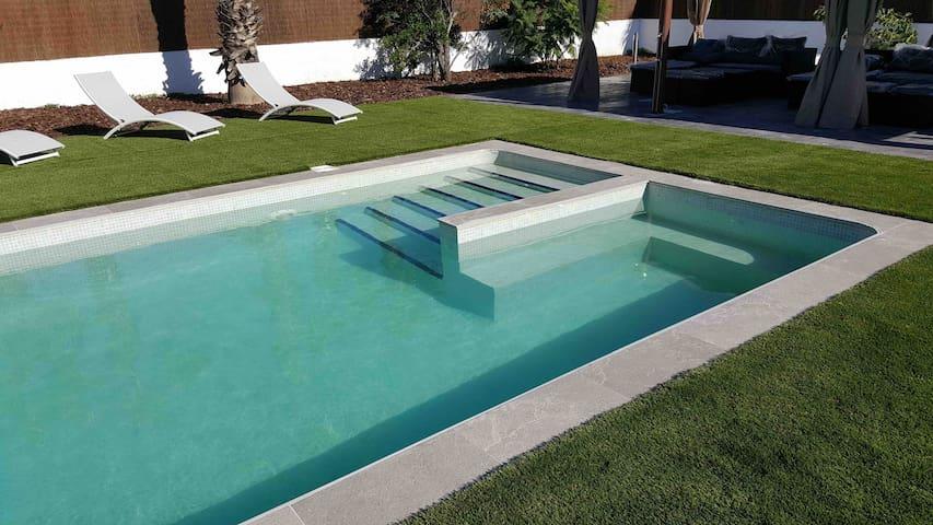 Luxury relax beach villa