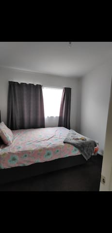 Private Cosy Room for rent