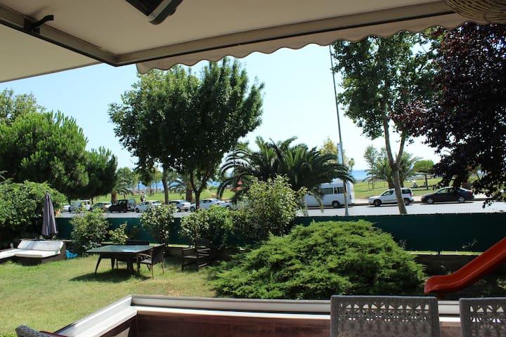 BAGDAT STREET, SEA FRONT, 180 m2 LUXURY FLAT - Kadıköy - Apartamento