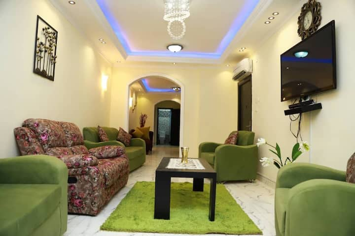 Luxurious 2BR/2Ba Apt with River Nile View
