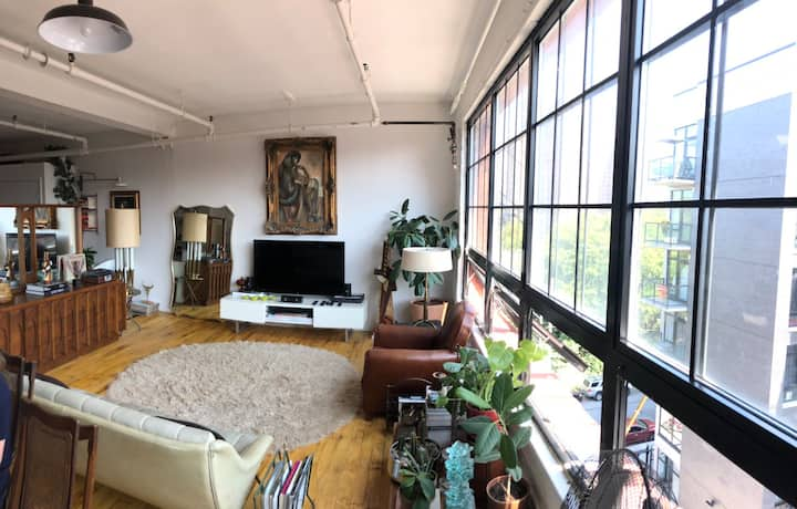 Sun soaked Loft in Mott Haven