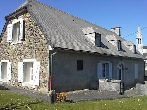 Quiet apartment on the outskirts of Lourdes
