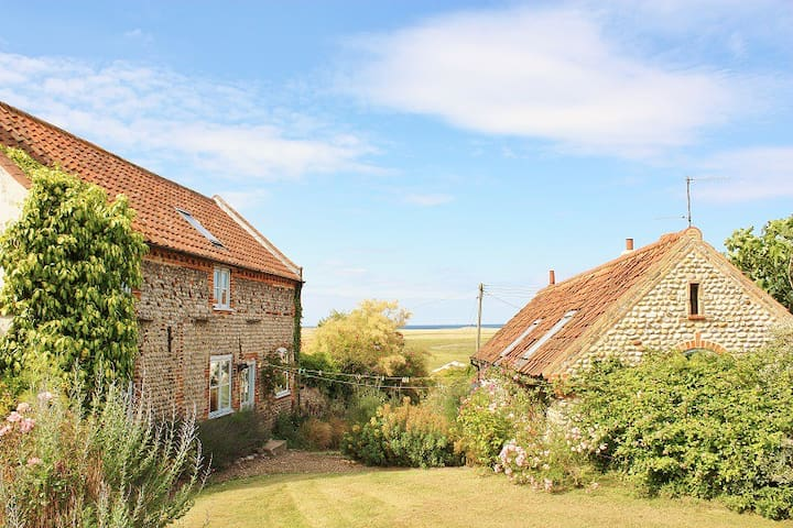 Sea View - Pembroke Cottage & Annex - Salthouse