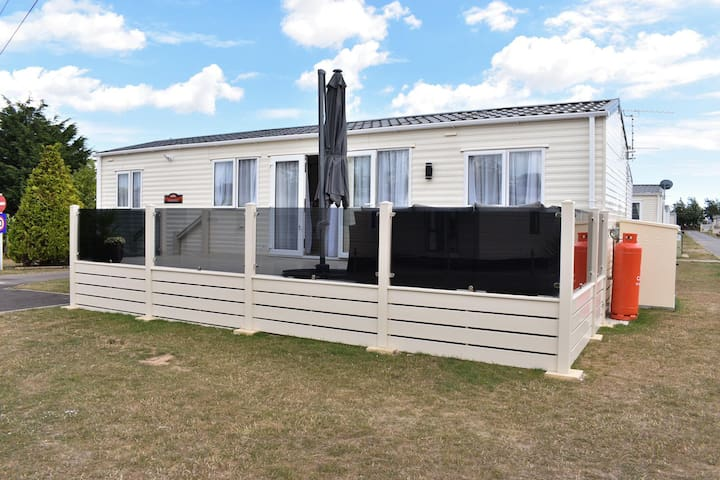 Oakdale Platinum, Birchington Vale Holiday Park