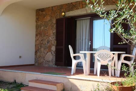 Appartamento con giardino a Lu Impostu - Lu Fraili - Lägenhet