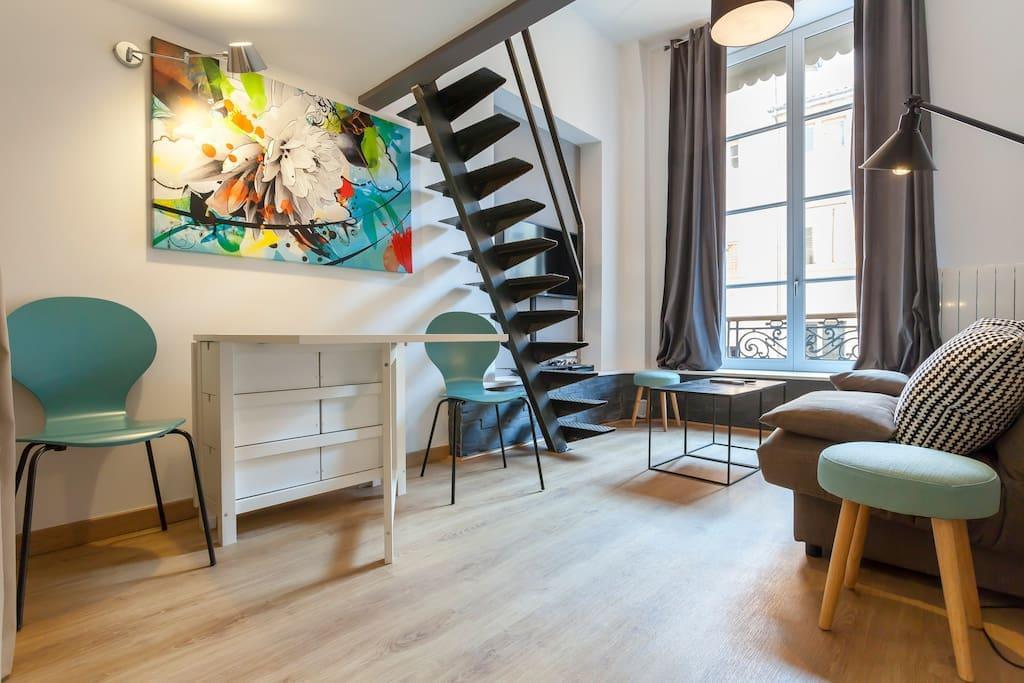 Appart lyon 1er place des terreaux appartements louer for Nos chambres en ville lyon