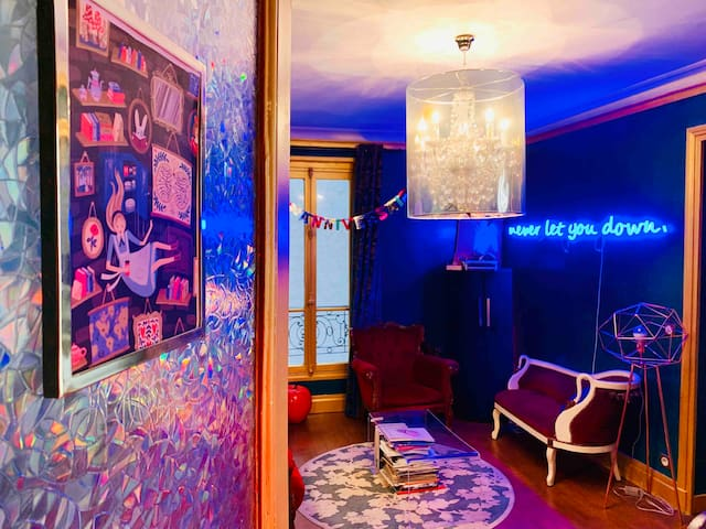 Artist designed flat in central area Montparnasse