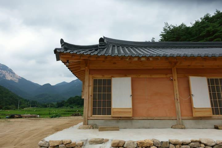 문경 희양산 토담집 (계곡이 가깝고 공기가 좋아요) - Gaeun-eup, Mungyeong-si - House