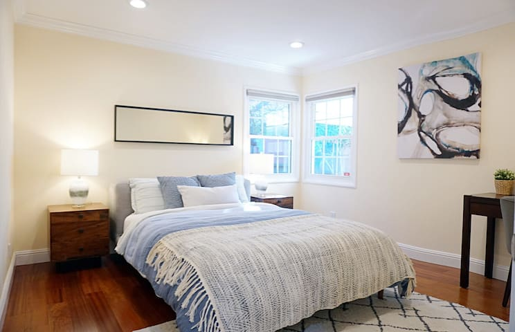 (SFO/Bart)Private &Cozy Queen bed rm in Millbrae