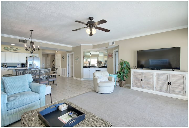 Admiral's Quarters #702 - BEAUTIFUL CONDO WITH STUNNING GULF VIEWS!