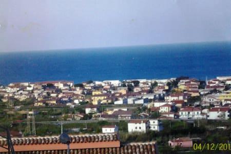 appartamento con ingresso indipende - Tortora Marina