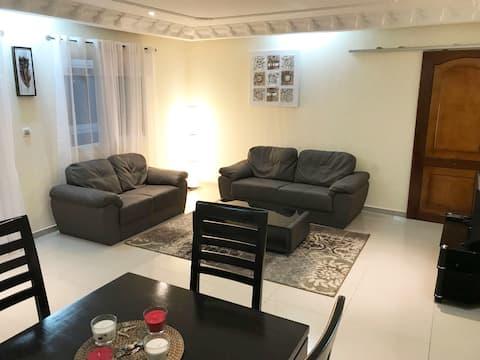Modern 2Br Apt in Bonapriso