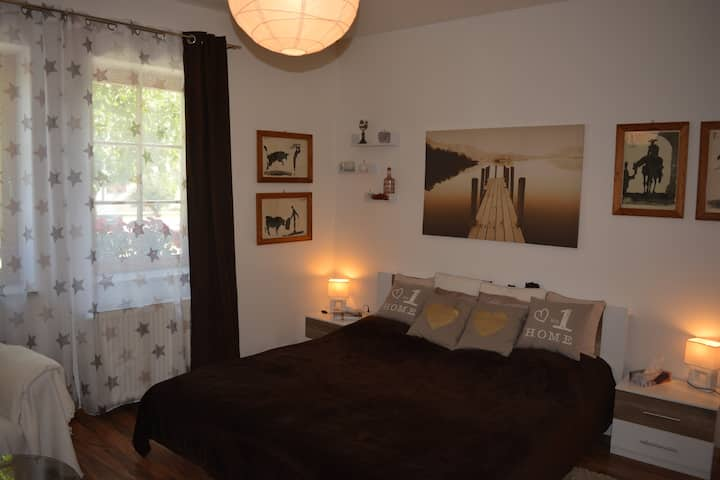Samostatný jednoizbový byt v rodinnom dome