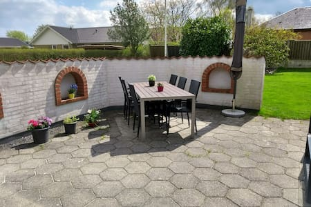 Familyfriendly house close to Herning C