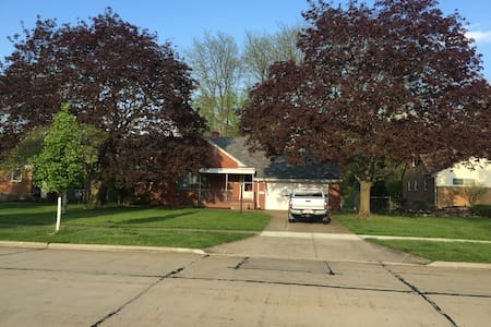 RNC listing Entire Home - North Olmsted