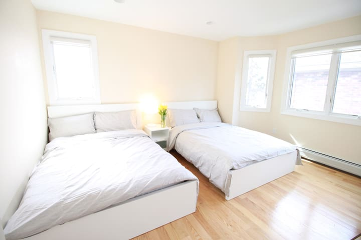 Modern, spacious, and peaceful house!